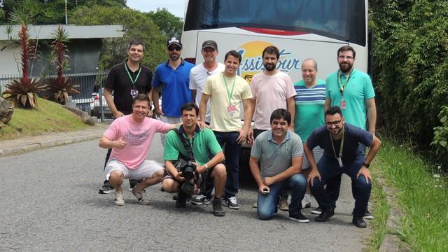 Equipe embarcou na tarde desta quinta rumo ao jogo do Avaí  (Foto: Valéria Martins/RBS TV SC)
