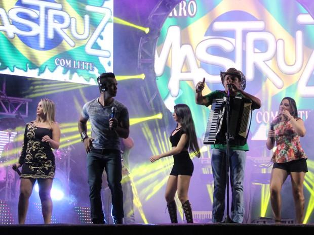 Banda Mastruz com Leite apresenta nova formação. (Foto: André Luframaia / Forrozão Promoções)