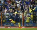 Tevez marca e é expulso em primeira vitória do Boca Juniors no Argentino