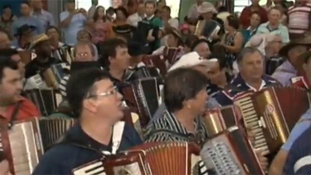 Mais de 250 músicos se uniram no gaitaço (Foto: Reprodução)