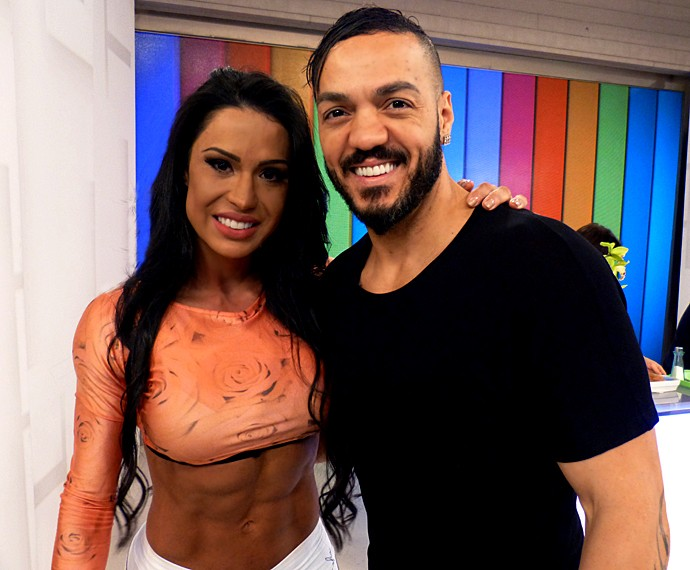 Belo e Gracyanne Barbosa invadiram o estúdio do Vídeo Show (Foto: Cristina Cople / Gshow)