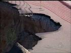 Cratera consome mais da metade de acostamento em pista de Pilar do Sul
