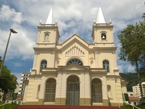 Catedral Juiz de Fora revitalizada (Foto: Roberta Oliveira/ G1)
