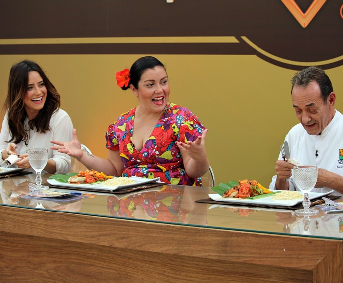 Jurados aprovam prato de Fiuk e MC Leozinho (Foto: Carolina Morgado/Gshow)