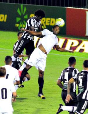 Resende x Ceará Copa do Brasil Raulino de Oliveira Sandro (Foto: Paulo Dimas/Diário do Vale)