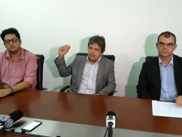 Rinaldo Reis (ao centro) disse como Guilherme Lopes cometeu atentado no MP (Foto: Cláudia Angélica/InterTV Cabugi)