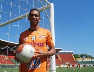 Luis Ricardo em treino da Lusa (Foto: Marcos Guerra/Globoesporte.com)