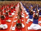 Praticantes celebram Dia Mundial da Ioga em várias partes do mundo; veja