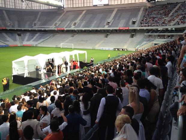 Segundo a organização, 10 mil pessoas participaram da cerimônia (Foto: Augusto Klein/RPCTV)