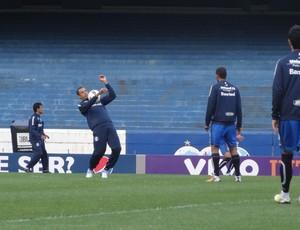 Gilberto Silva zagueiro Grêmio (Foto: Tomás Hammes / GLOBOESPORTE.COM)