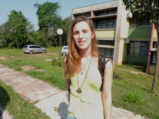 Raquel Romano, estudante de Design, é contra a medida (Foto: Paola Patriarca/G1)