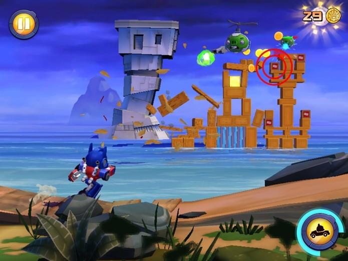 Angry Birds Transformers é um shooter on rails (Foto: Reprodução / Dario Coutinho)