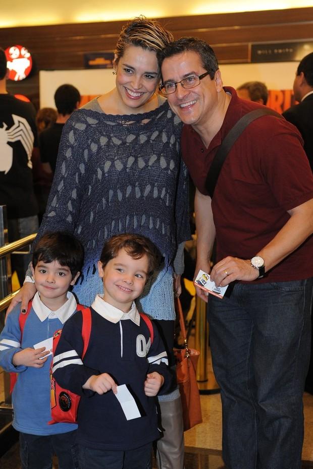 Suzy Rego e família na animação 'Meu Malvado Favorito 2' (Foto: Francisco Cepeda/AgNews-SP)