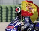Rossi sai de 26º para 4º, mas Lorenzo vence o GP de Valência e fatura o tri