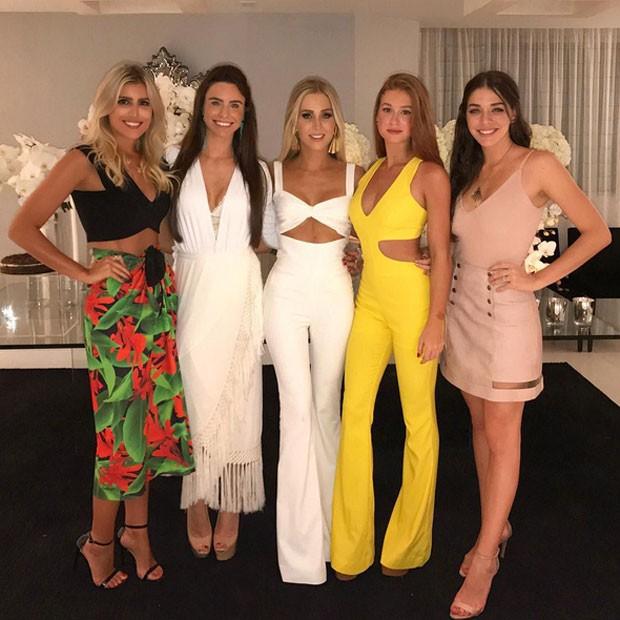 Dandynha Barbosa, Jade de Carvalho Rezinski, Paula Aziz, Marina Ruy Barbosa e Luma Costa em festa (Foto: Instagram/ Reprodução)