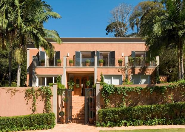 Casa brasileira com sotaque italiano casa vogue casas for Estilo toscano contemporaneo