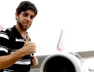 Juninho Pernambucano no desembarque do Vasco em São Paulo (Foto: Marcelo Sadio / Site Oficial do Vasco da Gama)