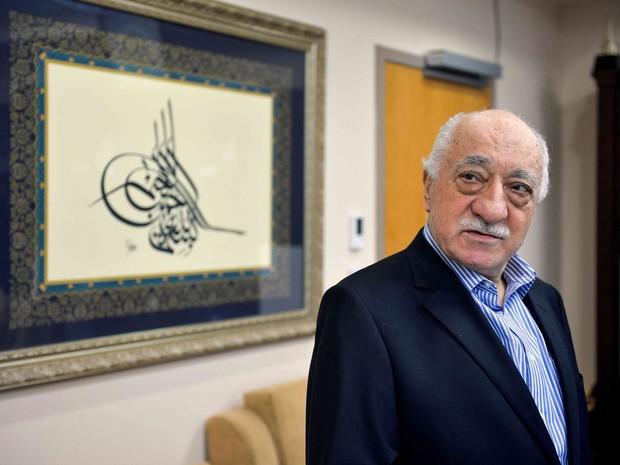 Ex-imã Fethullah Gülen foi fotografado em sua casa na Pensilvania, nos EUA, em 29 de julho de 2016. Ele é acusado de instigar a tentativa de golpe de estado na Turquia (Foto: Charles Mostoller/ Reuters)