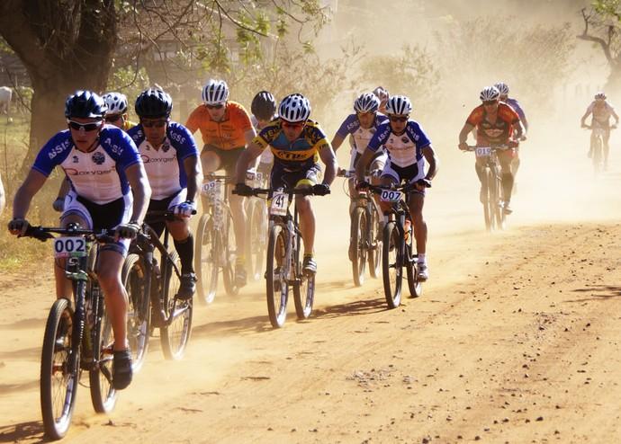 Evento reuniu 152 ciclistas em Andradina, neste domingo. Próxima etapa será em Dracena, dia 27 deste mês (Foto: Sergio Sakate / Cedida)