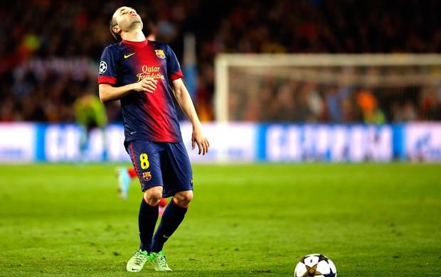 Iniesta jogo Barcelona Bayern de Munique Liga dos Campeões (Foto: AP)