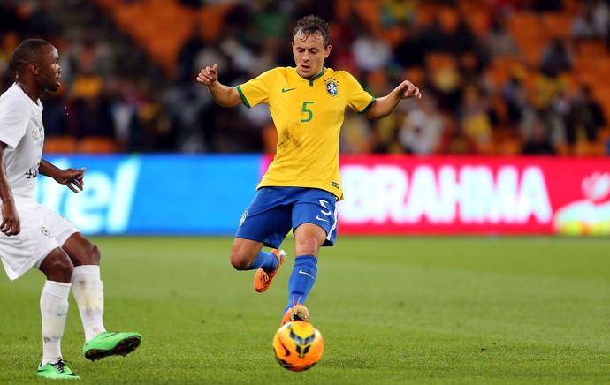Rafinha brasil África do Sul amistoso (Foto: Jefferson Bernardes / Vipcomm)