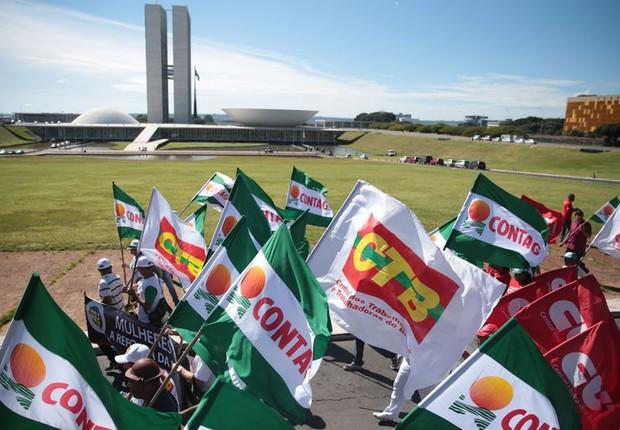 Protestos contra as reformas Trabalhista e da Previdência em Brasília (Foto: José Cruz/Agência Brasil)