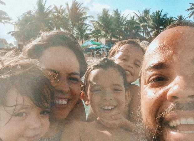 Pedro, Lua, Teresa, Irene e João (Foto: Reprodução - Facebook)