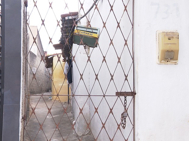 Criança foi encontrada abandonada, trancada em quarto em Campina Grande  (Foto: Reprodução/TV Paraíba)