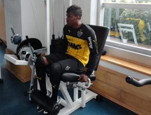 Maicosuel, meia do Atlético-MG, em treinamento na academia da AFA (Foto: Divulgação/CAM)