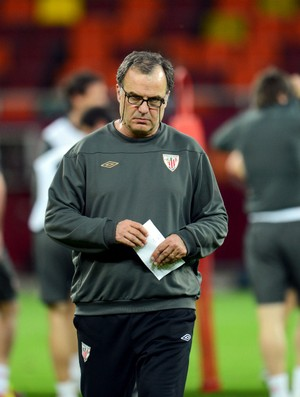 Marcelo Bielsa em treino do Athletic Bilbao (Foto: Getty Images)