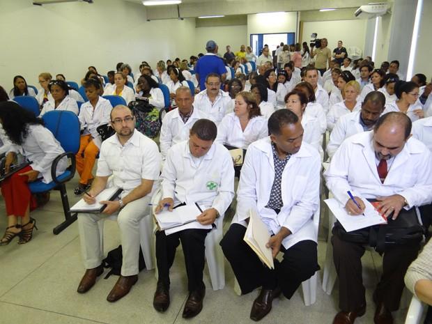 Médicos estrangeiros têm aula sobre o SUS (Foto: Lorena Aquino/G1)