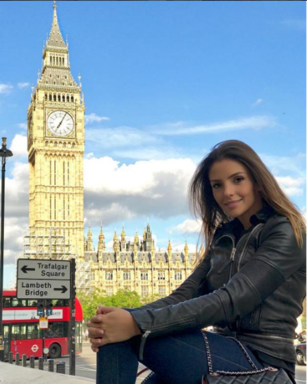 Carol Celico posa em Londres (Foto: Reprodução/Instagram)