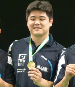 Eric Jouti, Cazuo Matsumoto e Thiago Monteiro evento-teste de tênis de mesa (Foto: Thiago Quintella)