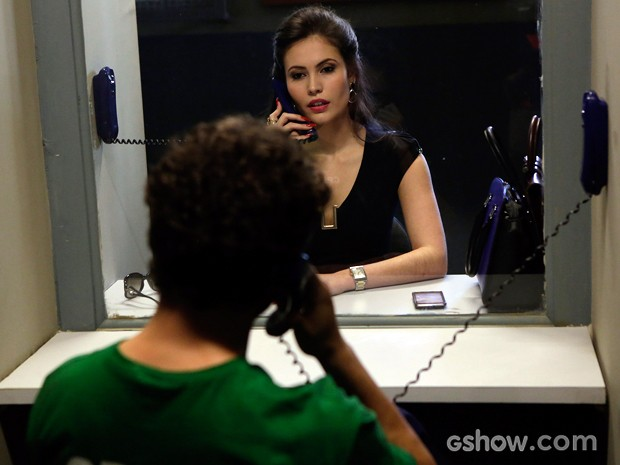 Ana Carolina Dias na pele da advogada gata de Orville (Foto: Fábio Rocha/TV Globo)