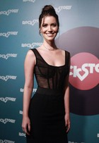 Nathalia Dill usa look avaliado em R$ 70 mil na festa de ''Rock Story'