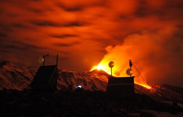 O Vulcão é considerado um dos mais ativos da Europa (Foto: Salvatore Allegra/AP)