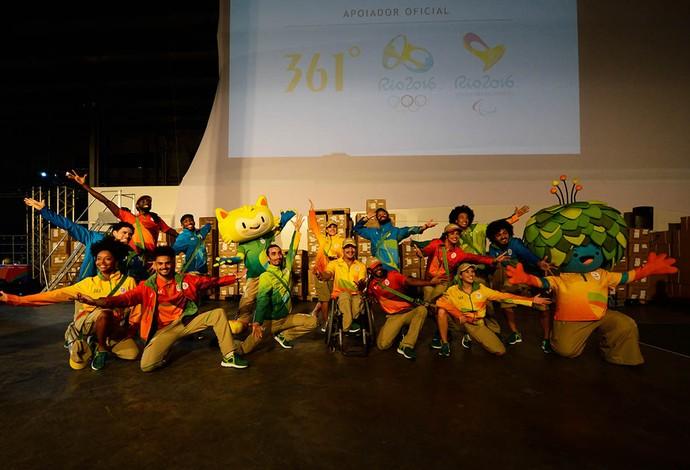 Comitê apresentou os uniformes que serão usados pelo time Rio 2016 (Foto: Alex Ferro/Rio 2016)