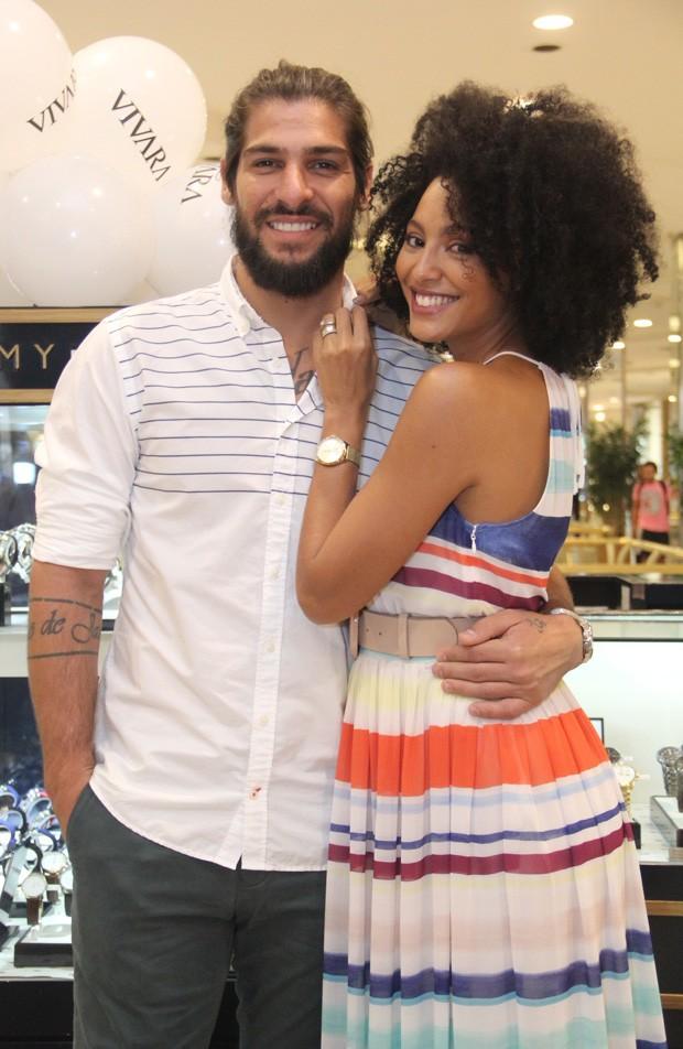 Sheron Menezzes e Saulo (Foto: Wallace Barbosa/AgNews)