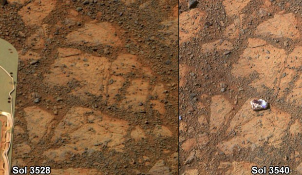 Imagens feitas na superfície de Marte por equipamento da Nasa mostra pedra branca brilhante que tem intrigado os cientistas. Na combinação de fotos, é possível ver que a pedra não estava no local em determinado momento (Foto: Nasa/Reuters)