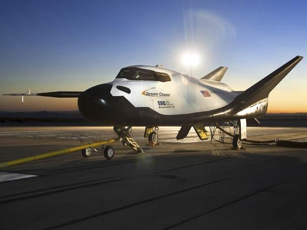 O Dream Chaser, da empresa Sierra Nevada, é um dos três protótipos que pode substituir os ônibus espaciais (Foto: REUTERS/NASA/Ken Ulbrich/Handout via Reuters)