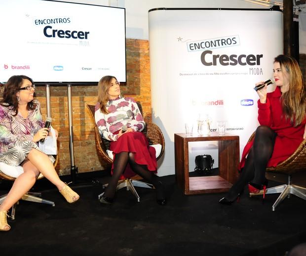 Daniela Tófoli, diretora de redação da CRESCER, a pediatra Flávia Oliveira e Marília do blog Mamãe Plugada (Foto:  Sylvia Gosztonyi)
