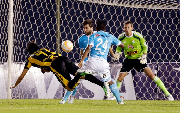 Federico Santander gol Guarani (Foto: Reuters)