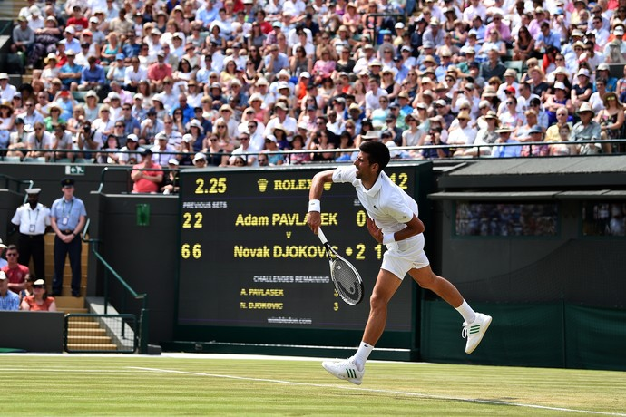 Novak Djokovic vence Adam Pavlase em Wimbledon (Foto: Glyn KIRK / AFP)