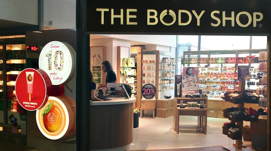 Loja da The Body Shop em Riga, Letônia. Natura chegará a 70 países com compra da rede (Foto: Divulgação)