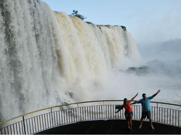 As Cataratas do Iguaçu são o principal atrativo turístico da fronteira e recebem por ano mais de 1,5 milhão de visitantes (Foto: Fabiula Wurmeister / G1)