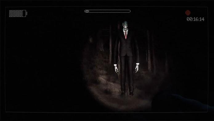 Em Slender The Arrival, controle um personagem que foge do aterrador Slenderman (Foto: Divulgação)