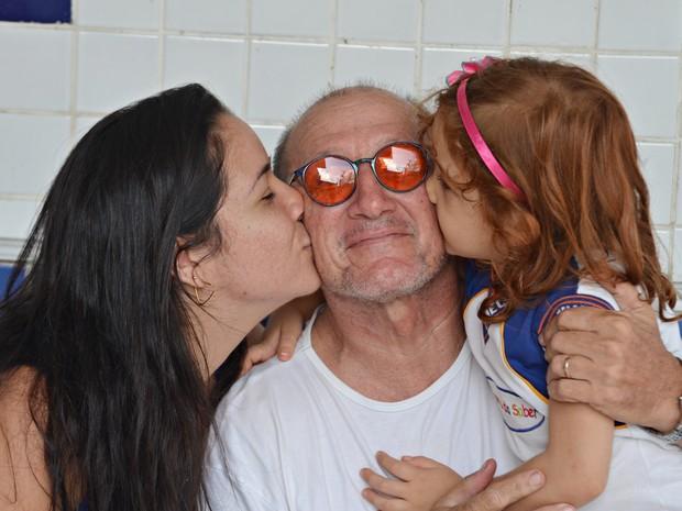 Jullie proporcionou a Zé a felicidade ser pai de outra maneira, como avô de Sofia (Foto: Dani Fechine/G1)
