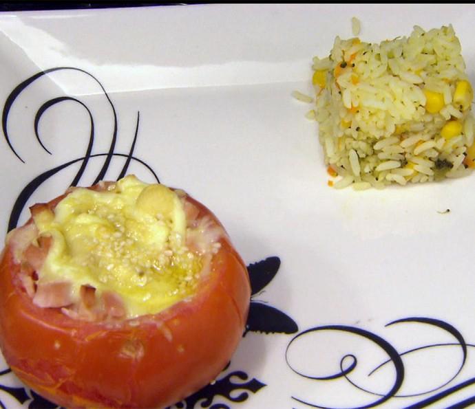 Tomates ao Forno Recheados com Arroz Colorido (Foto: TV Globo)