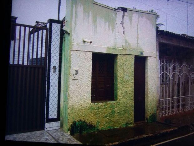 Vizinhos encontraram mãe e filho mortos  (Foto: Ana Fontes/TV Sergipe)