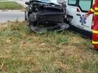 Ambulância bate em carro e mãe e filha se ferem na BR-101, no ES